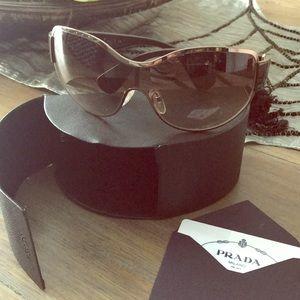 Prada Sunglasses. Authentic 💯